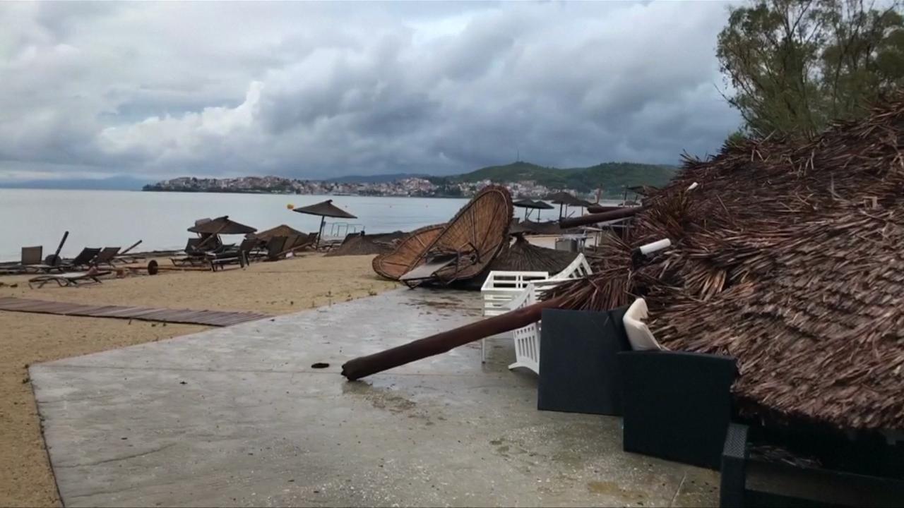 Grecia: tornado en zona turística dejó 6 muertos