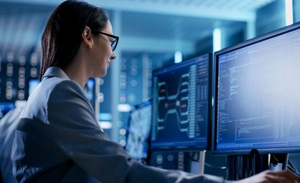 Ofrecerán 600 becas de capacitación en tecnología para mujeres en la  Argentina   El Diario de la República